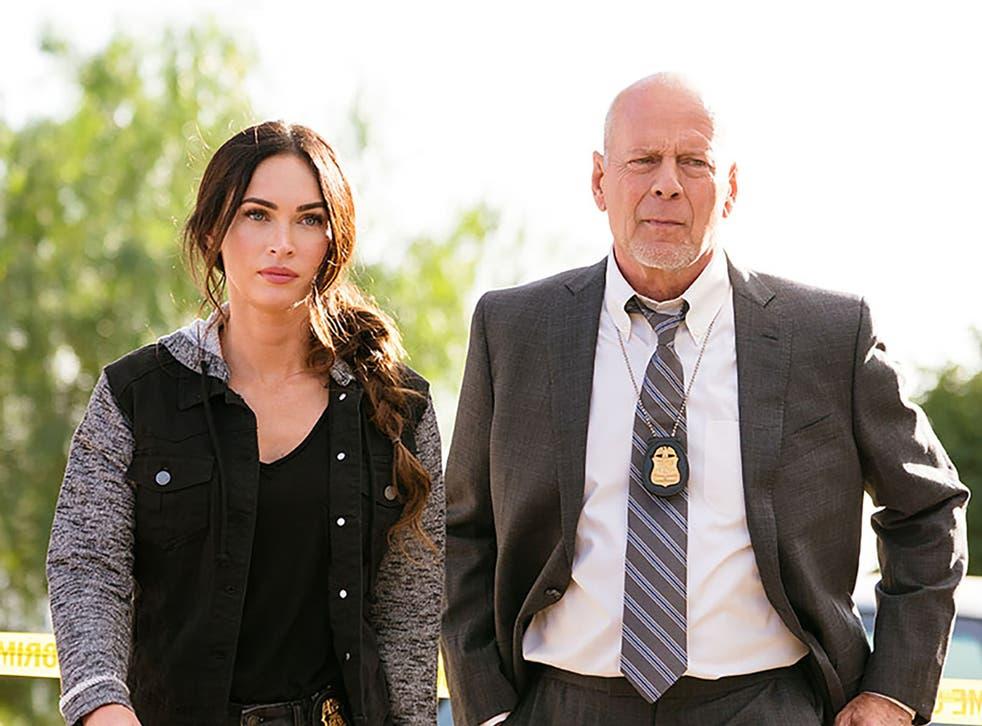 <p>Megan Fox y Bruce Willis en 'Midnight in the Switchgrass'</p>