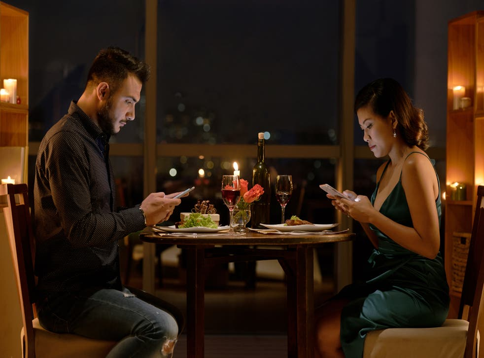 <p>What not to do on a first date</p>