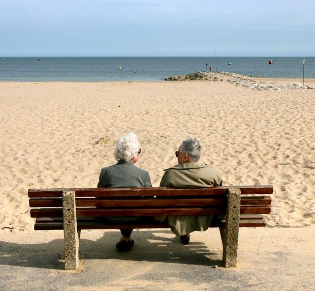 Los ahorradores de pensiones podrían potencialmente ahorrar más de £ 20,000 en el período previo a la jubilación simplemente cambiando de proveedor de bricolaje, según Which? (PENSILVANIA)