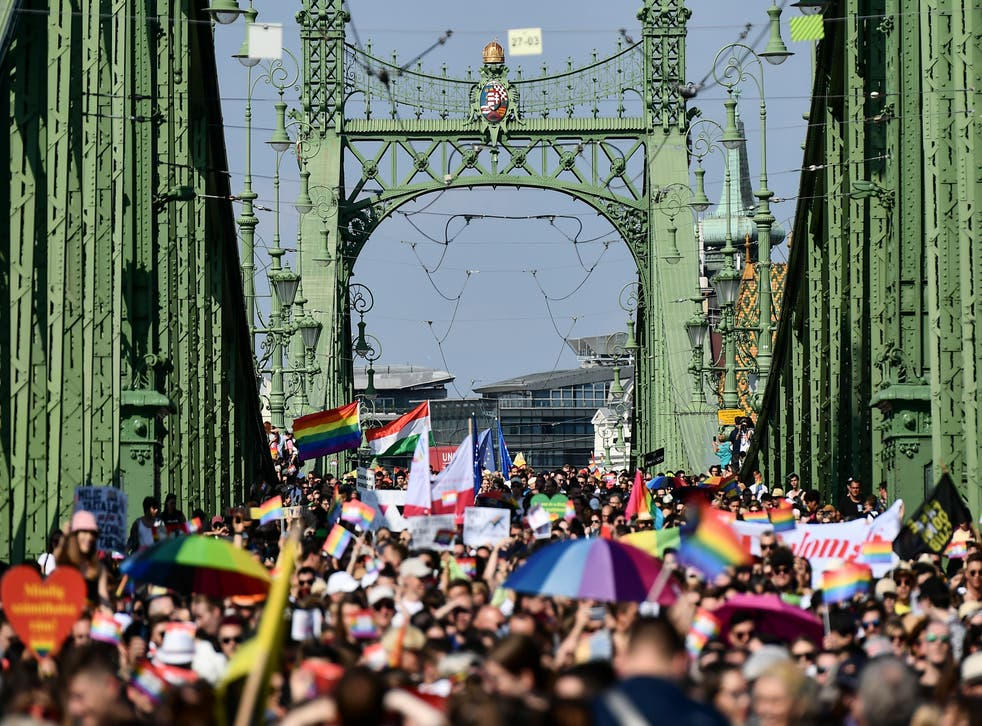 HUNGRIA DESFILE LGBTQ