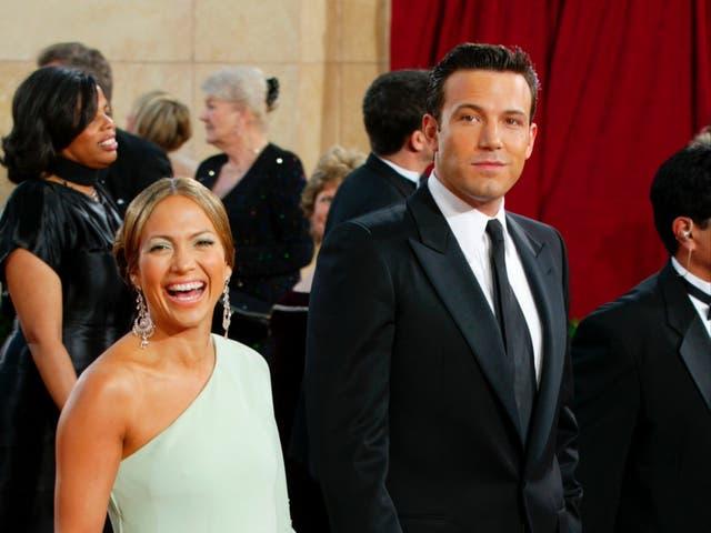 <p>Los fanáticos ven un increíble detalle de retroceso en las fotos virales de Jennifer Lopez y Ben Affleck</p>