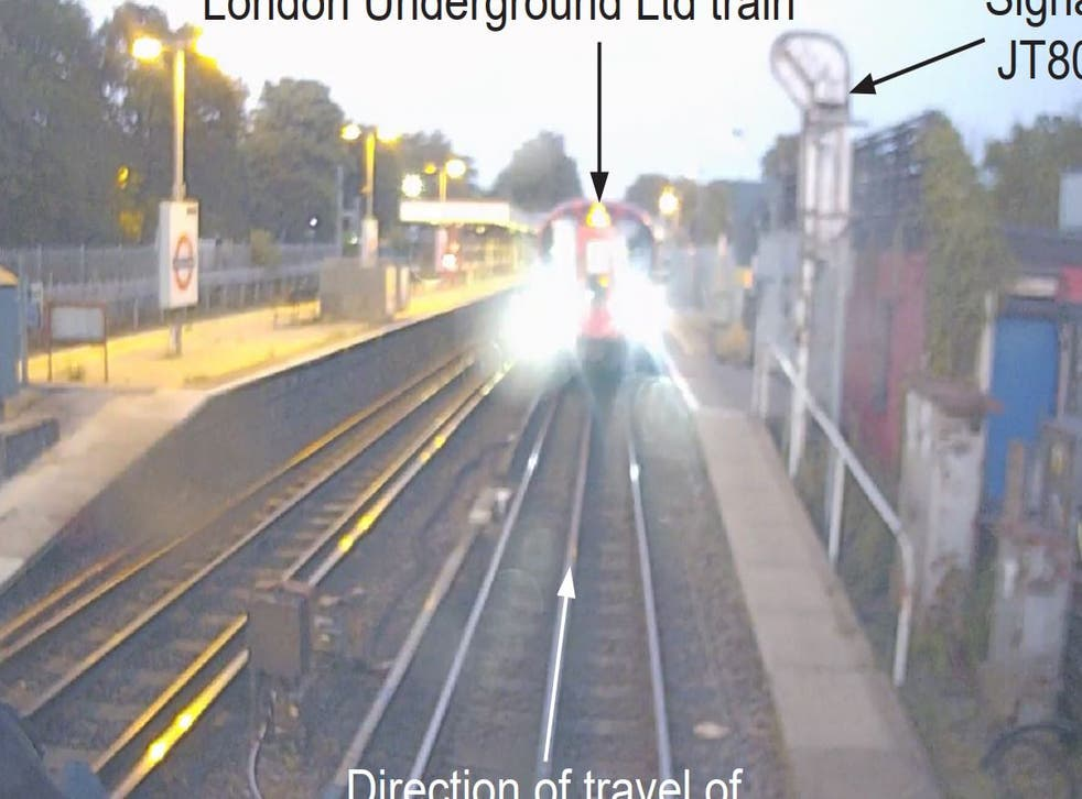 <p>The view from the cab of the Chiltern Railways train after it eventually stopped.</p>