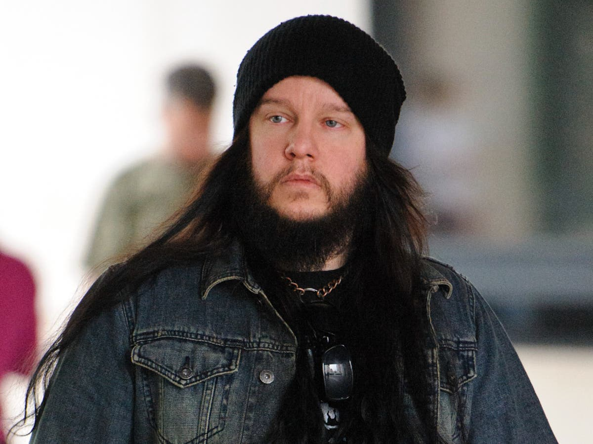 Followers and music world pay tribute to Slipknot's Joey Jordison