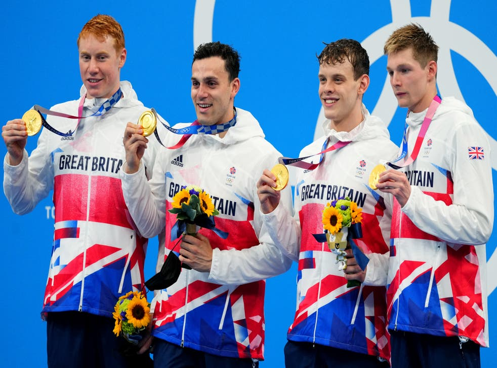 <p>GB relay team celebrate men's 4x200m gold</p>