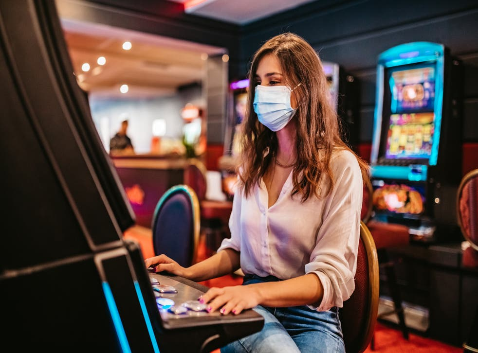 <p>Nevada Casinos are required to have signs about where masks need to be worn</p>