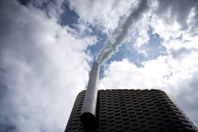 <p>A pilot plant for CO2 capture at Amager Bakke in Copenhagen</p>