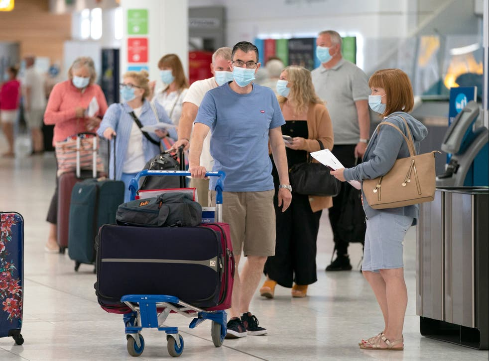 <p>England is to allow people visiting from the US and the EU who are fully vaccinated against coronavirus to enter without the need to quarantine</p>