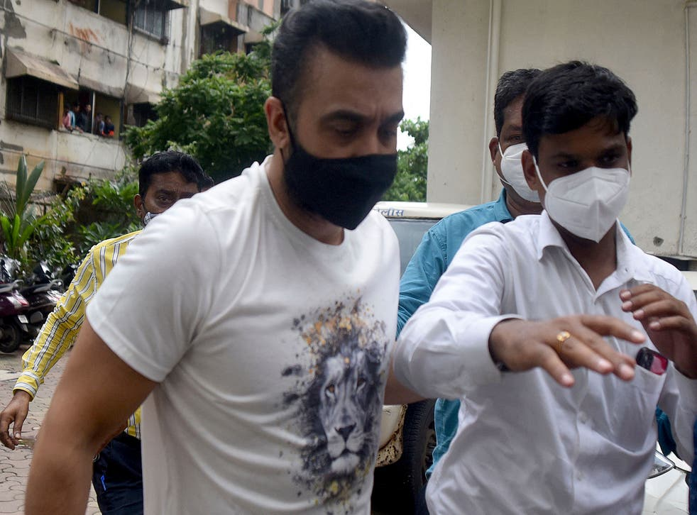 <p>Police arrest businessman Raj Kundra in  Mumbai</p>
