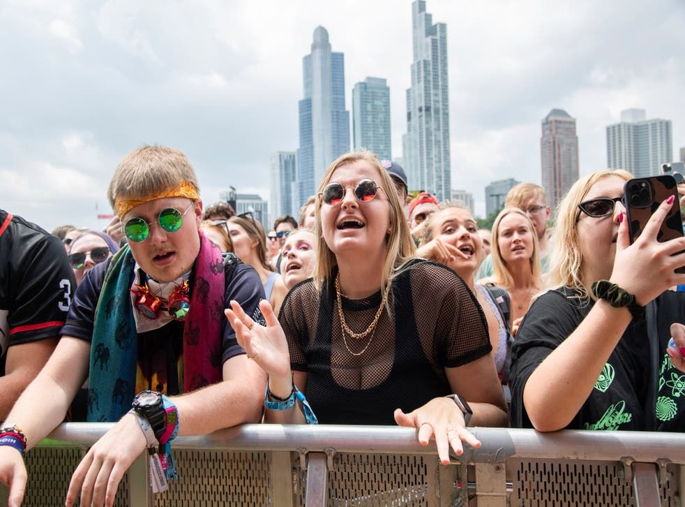 <p>Thousands of concertgoers gather at Lollapalooza in Grant Park, Chicago</p>