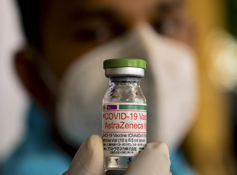 <p>Scientists have said there are challenges involved in sharing vaccine 'blueprints' between manufacturers</p>
