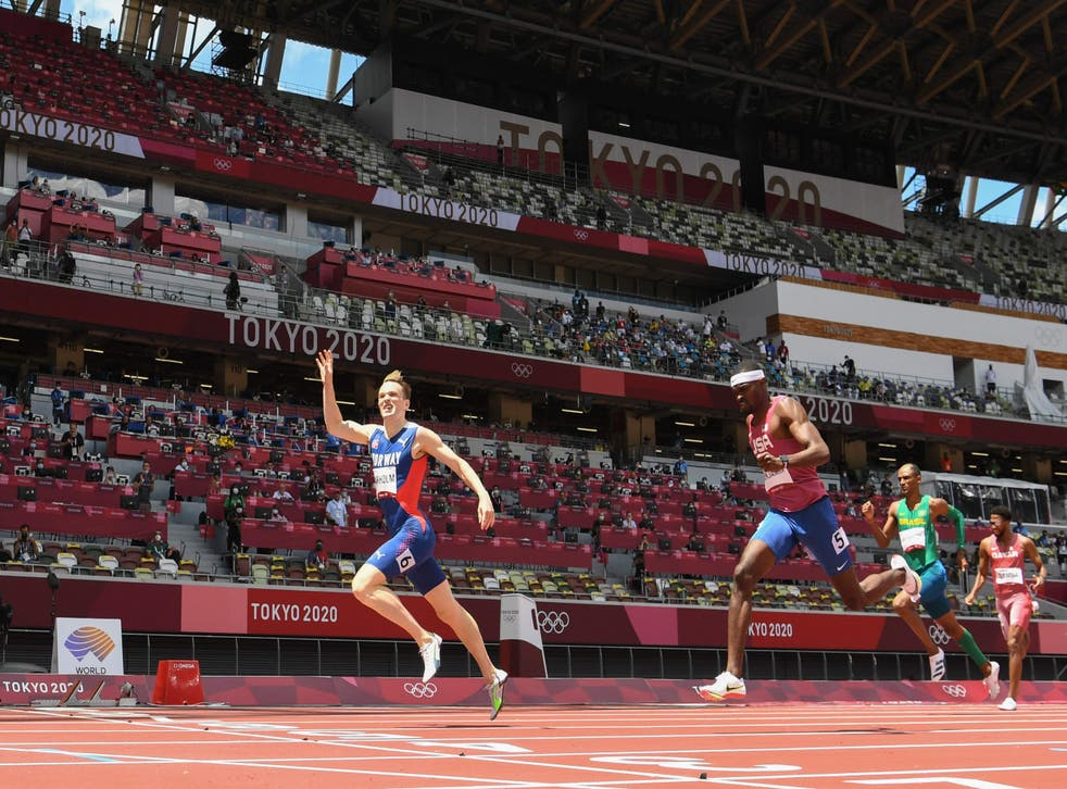 <p>The Norwegian clinches gold ahead of his US rival</p>