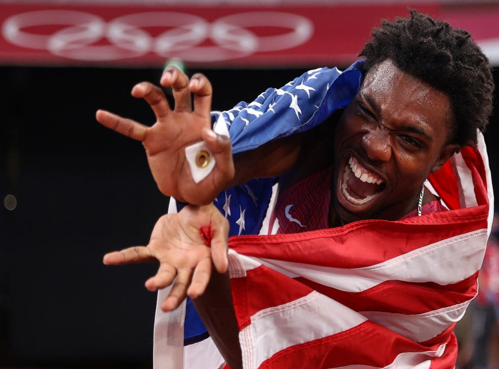 <p>Noah Lyles of Team United States celebrates after winning the bronze medal in the Men's 200m Final on day twelve of the Tokyo 2020 Olympic Games at Olympic Stadium on August 4, 2021 in Tokyo, Japan. </p>