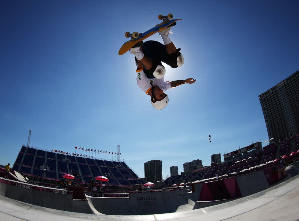 pPedo Quintas of Team Brazil warms up prior to the Men's Skateboarding Park Preliminary Heat on day 13 of the Tokyo 2020 Olympic Games at Ariake Urban Sports Park on August 05, 2021 in Tokyo, Japan/p