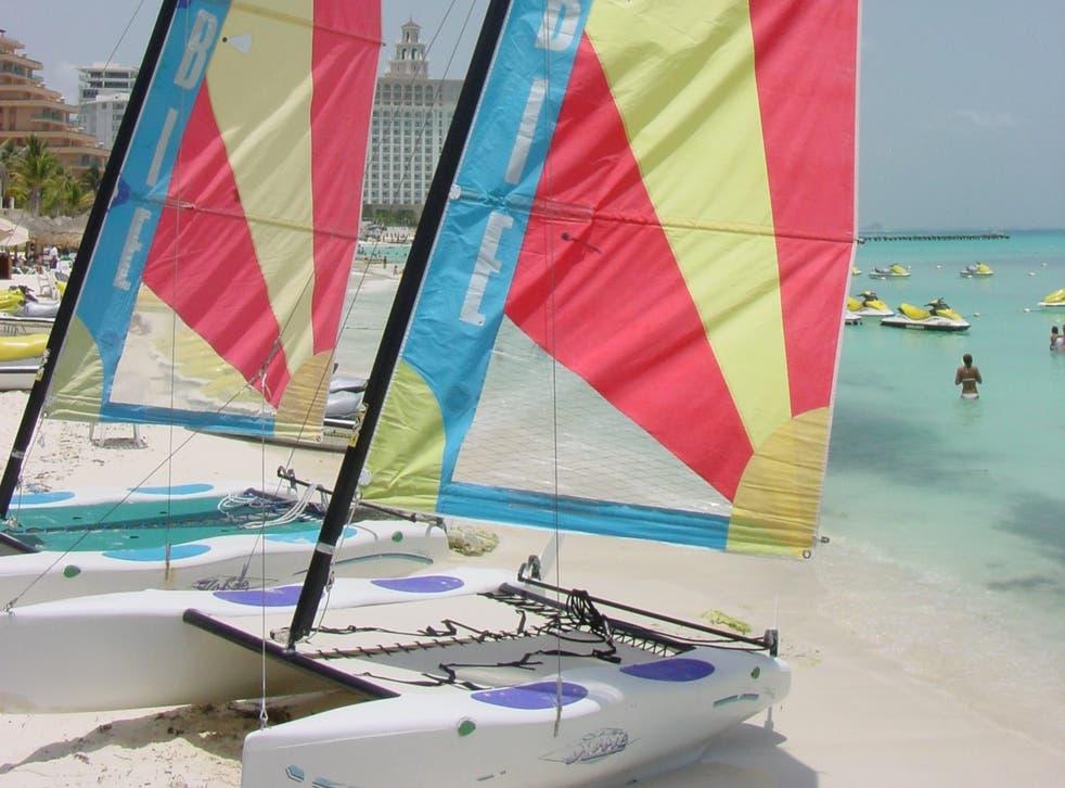 <p>Waving goodbye: the beach in Cancun</p>