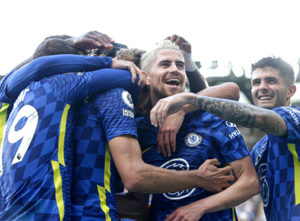 <p>Marcos Alonso of Chelsea celebrates with Jorginho and teammates</p>