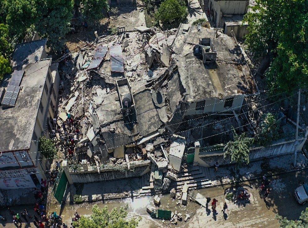 <p>Haití sufrió un terremoto devastador y la llegada de una tormenta tropical en cuestión de días </p>