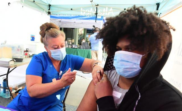 Las vacunas de refuerzo estarán disponibles para todos a partir de la tercera semana de septiembre.