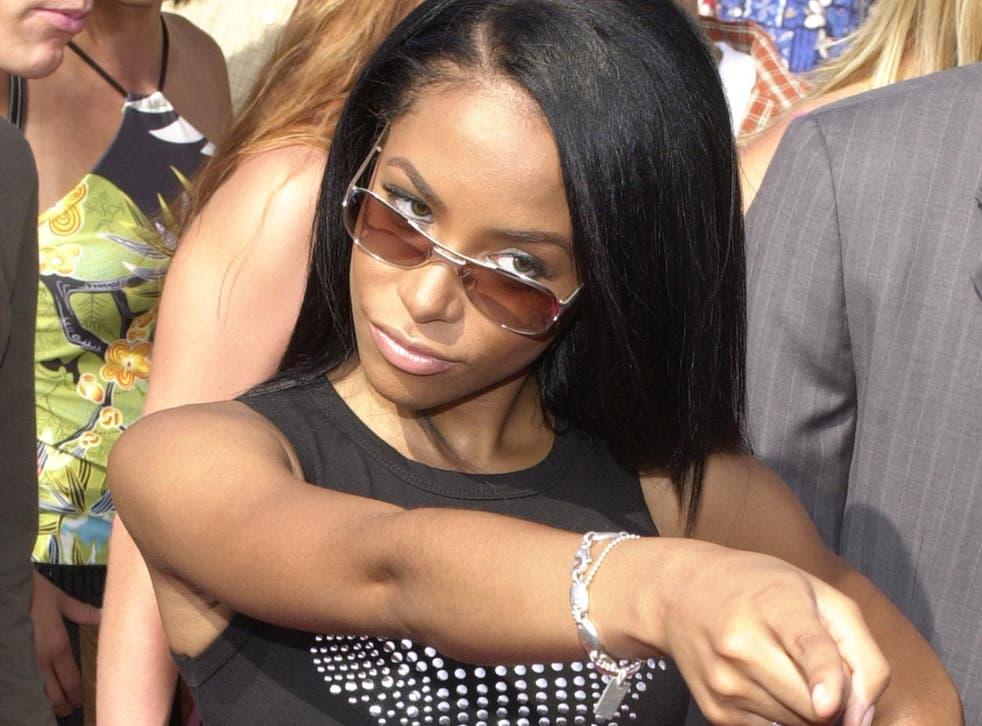 <p>Aaliyah in 2000</p>