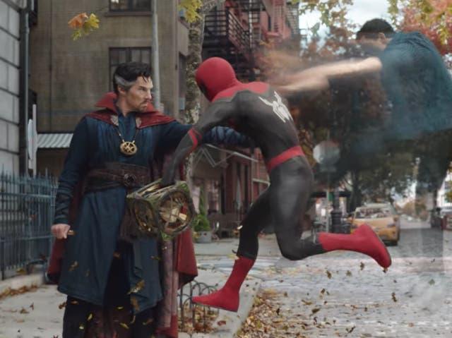 Doctor Strange y Spider-Man en el tráiler de 'No Way Home'