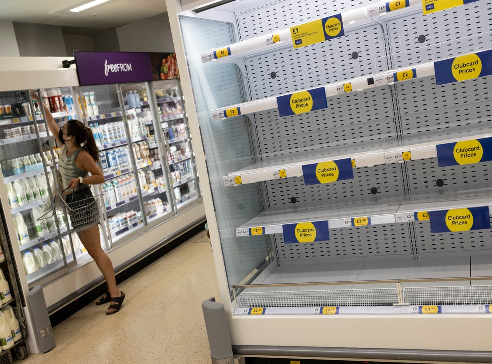 <p>A shortage of workers in some industries has contributed to distribution problems and shops running out of stock </p>