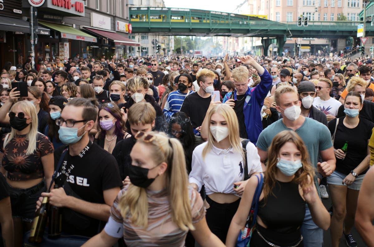 Protests in Berlin for and against coronavirus restrictions