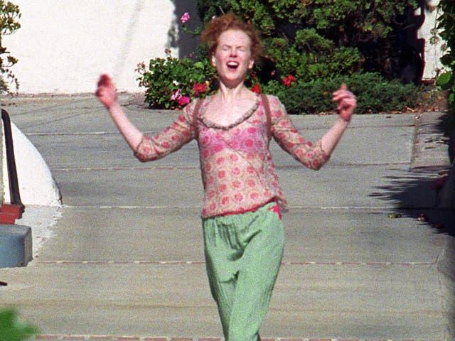 <p>Nicole Kidman full of joy as she leaves her attorney's office</p>