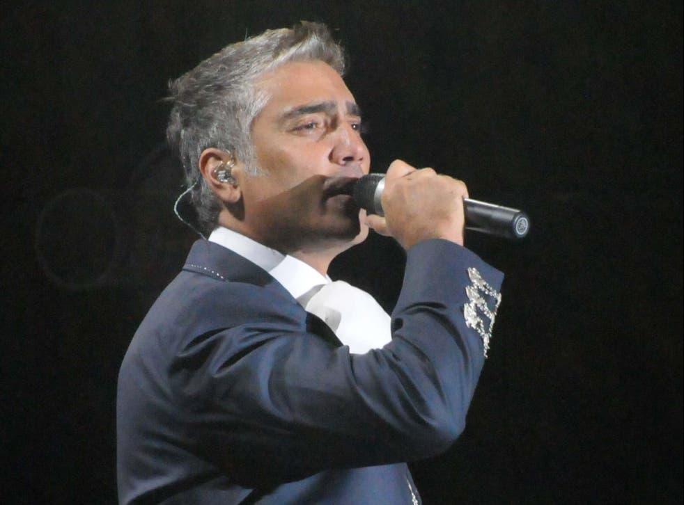 <p>Por casi dos horas, el intérprete enamoró a su público que se dio cita en el hotel Four Seasons de la Ciudad de México.  </p>