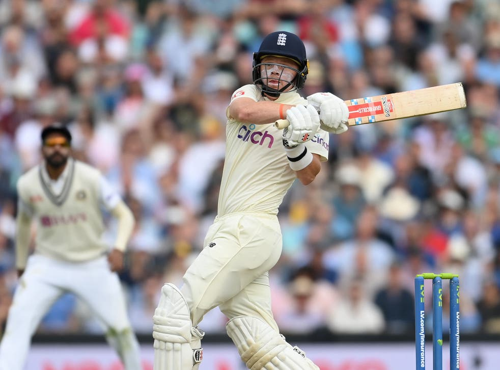 <p>Ollie Pope hooks a bouncer to the boundary on day two of the fourth Test</p>
