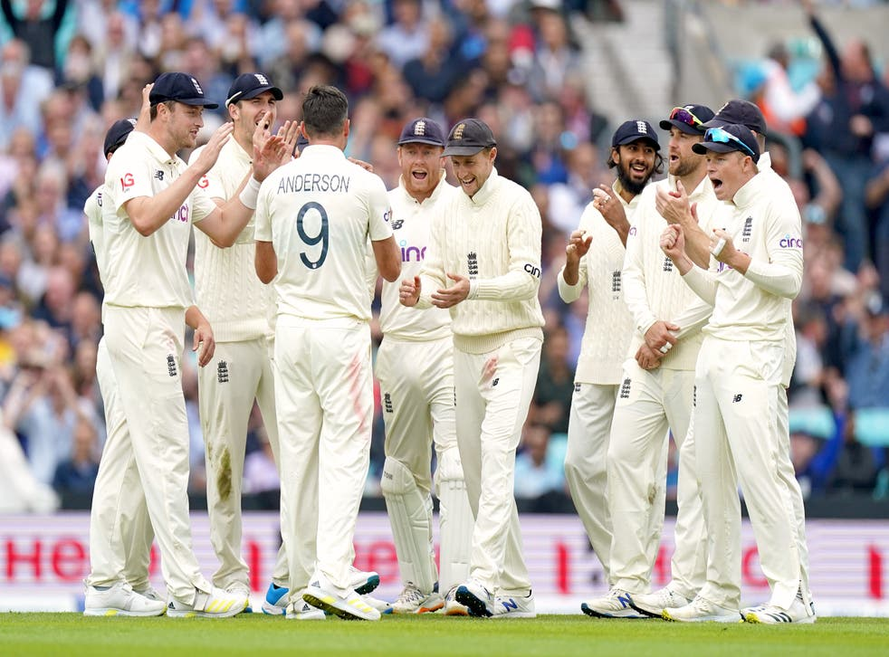 England's James Anderson (third left) celebrates the wicket of KL Rahul (Adam Davy/PA).
