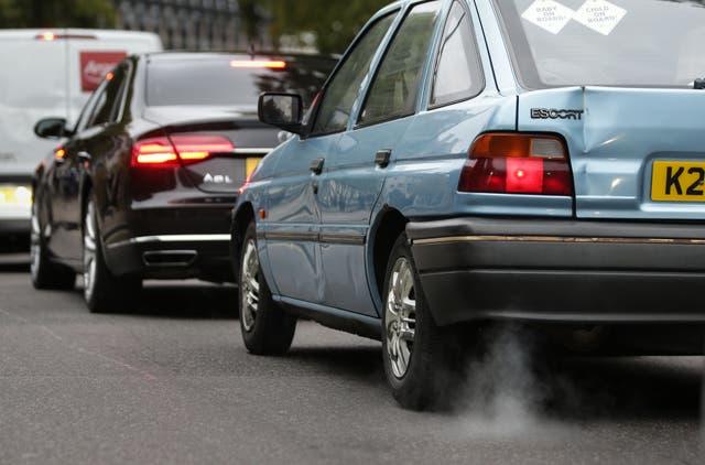 Una nueva ha encontrado un vínculo entre la exposición de una persona a la contaminación del aire y la gravedad con la que experimentará los efectos del Covid-19.