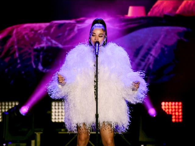 <p>Las celebridades que son conocidas por su sentido de la moda a menudo se oponen a la tendencia actual. </p>