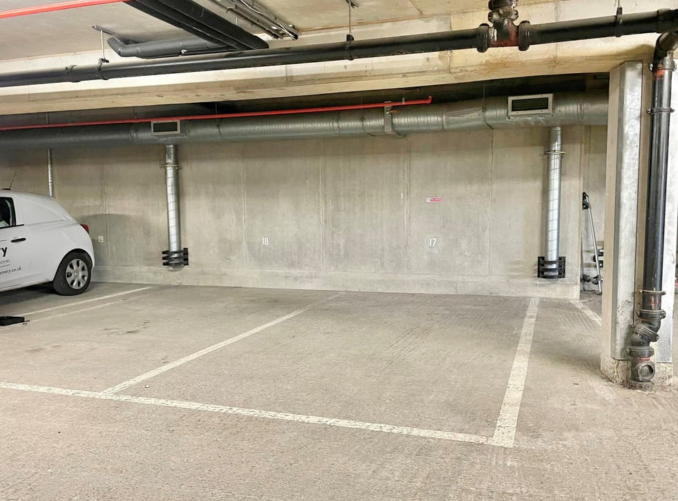 <p>Bath parking space sells for more than £100,000</p>