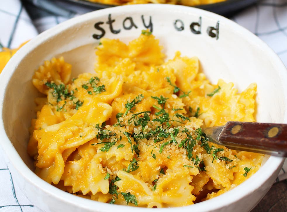 <p>In this recipe, carrots are cooked with onion, garlic and miso paste and blended 'til smooth </p>