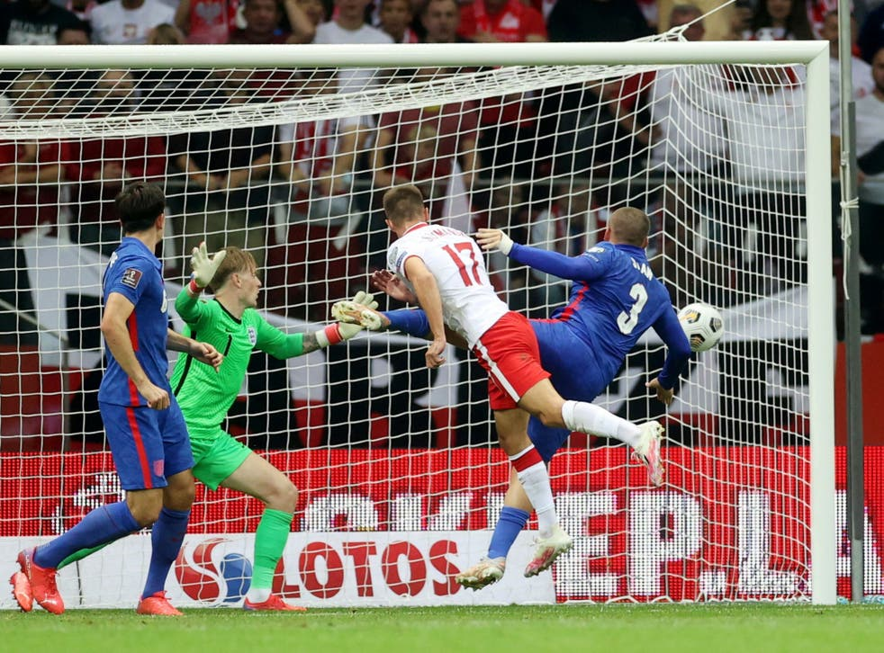 <p>Damian Szymanski equalises for Poland against England in stoppage time of the second half</p>