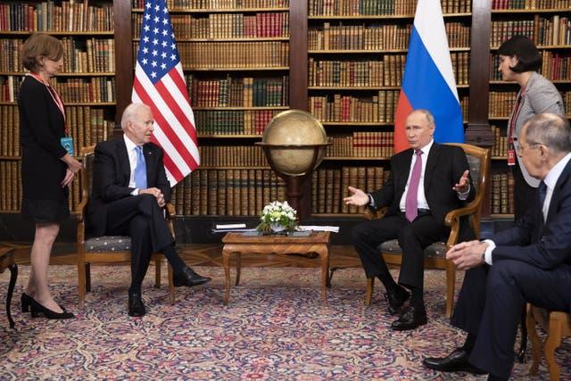 <p>El expresidente Donald Trump bloqueó los datos sobre las bombas nucleares. </p>