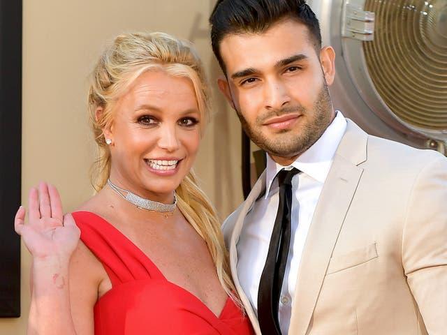 Britney Spears y Sam Asghari asisten a Sony Pictures''Érase una vez ... en Hollywood 'el 22 de julio de 2019 en Hollywood, California