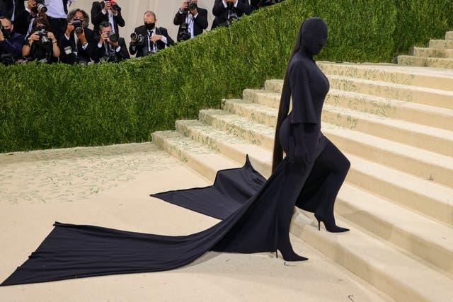Kim Kardashian llega a la Met Gala 2021