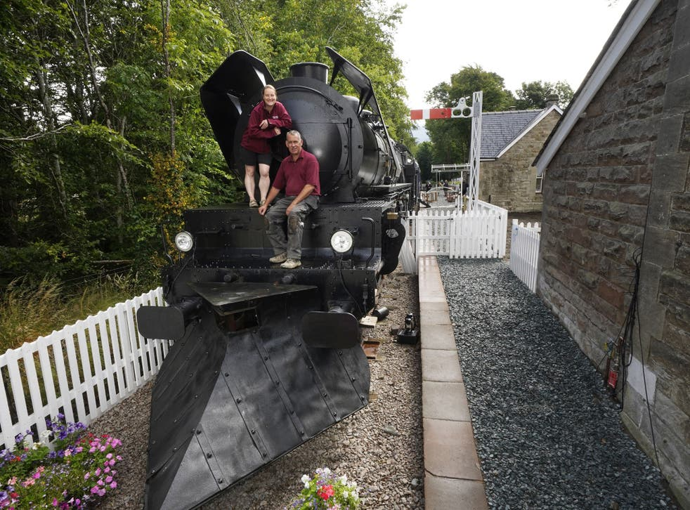 <p>Di and Si Parums on the front of the replica train </p>