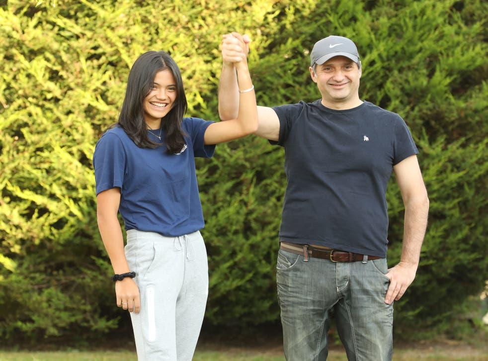 <p>Emma Raducanu with her father, Ian </p>