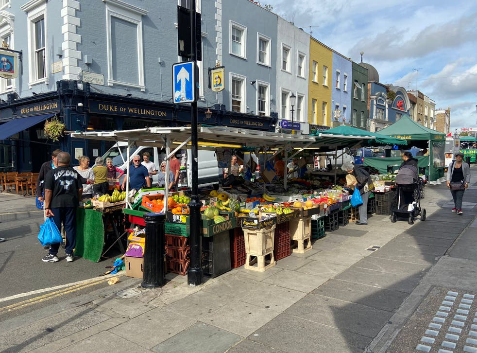 <p>Shoppers and traders reacted to the government plans to return to imperial measurements</p>