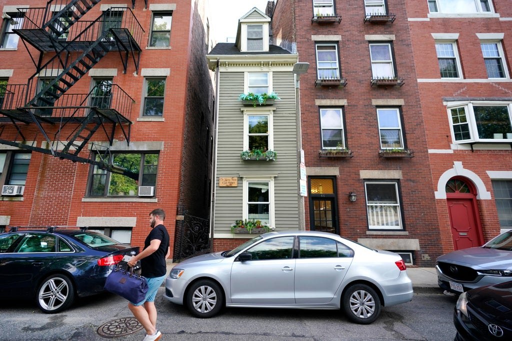 Boston's iconic 'Skinny House' sells for $1.25 million