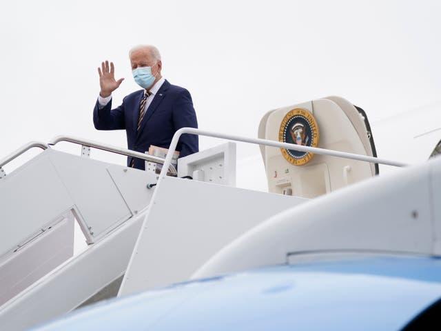 <p>Joe Biden exits Air Force One </p>