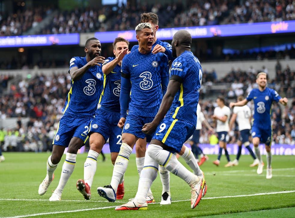 <p>Thiago Silva celebrates scoring Chelsea's first goal</p>