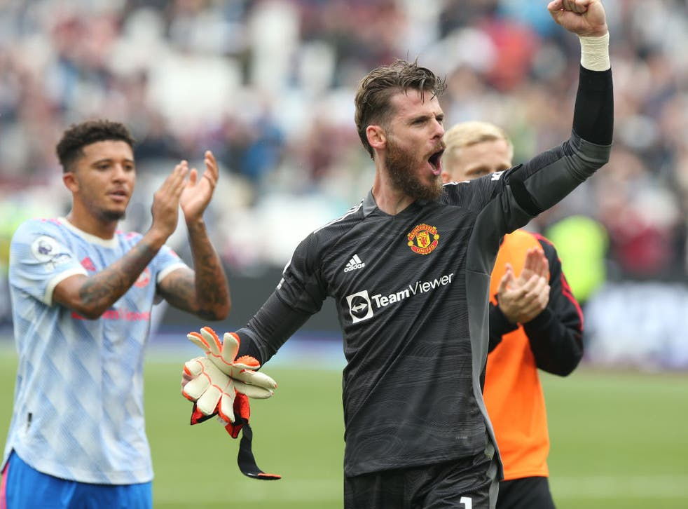 <p>De Gea saved a stoppage time penalty to hand United victory</p>