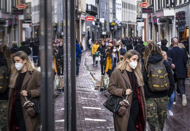<p>The Dutch are still the world's tallest population but both men and women are shrinking </p>