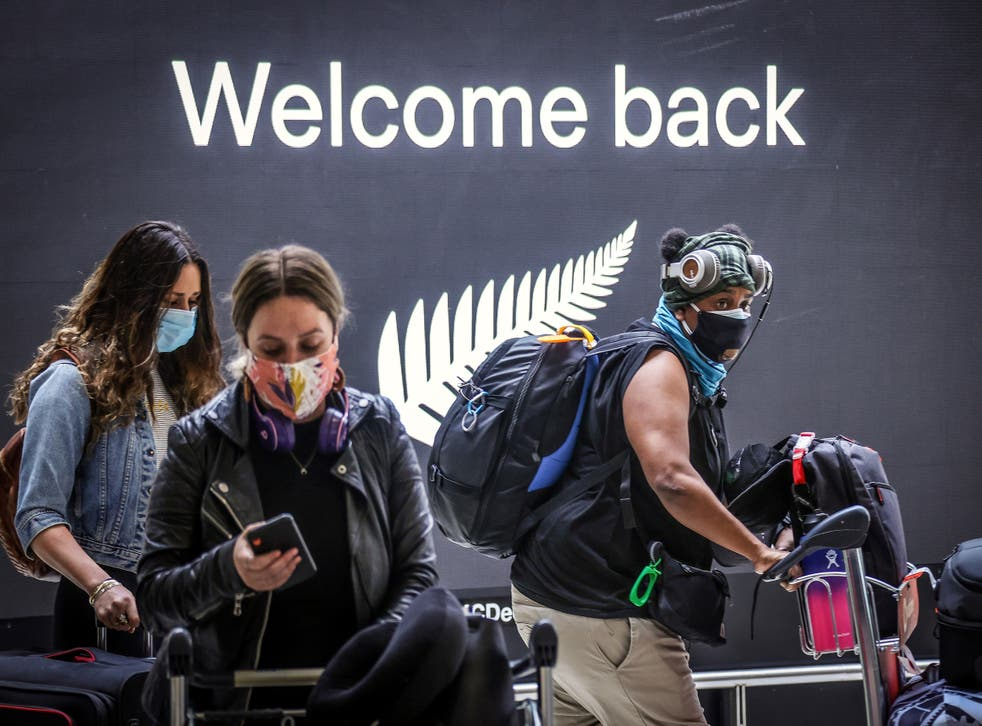 <p>Passengers arrive from New Zealand at Sydney International Airport</p>