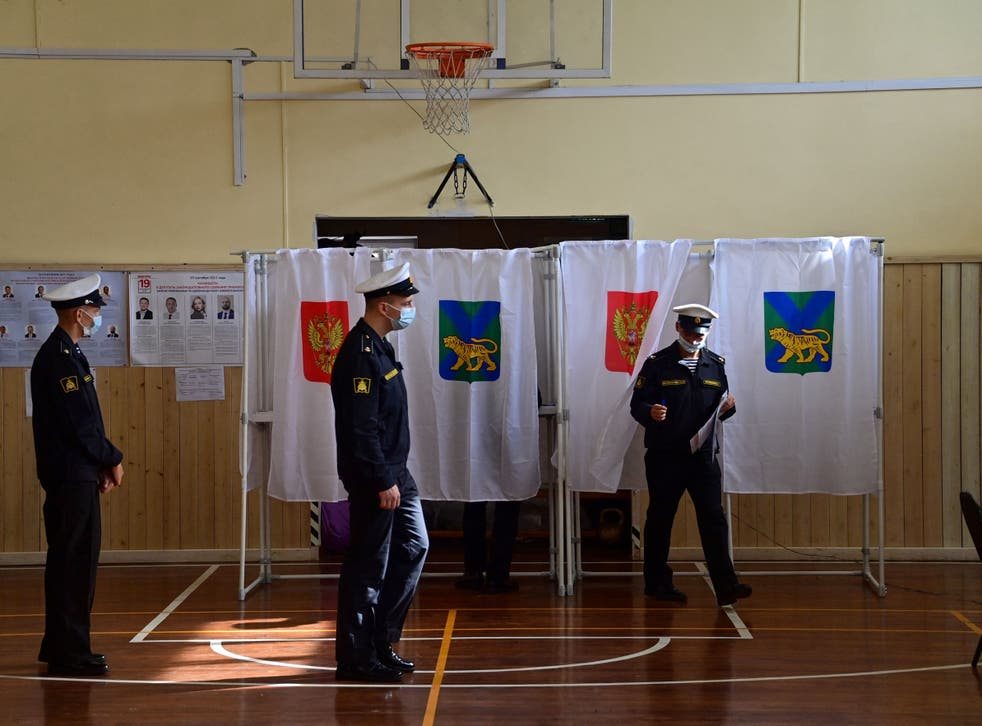 <p>Naval cadets vote on the first day of the three-day parliamentary election in the far eastern city of Vladivostok</p>