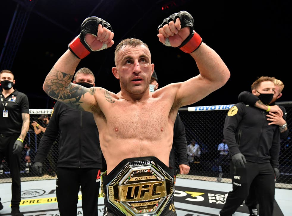 <p>Featherweight champion Alexander Volkanovski retained his belt at UFC 266</p>