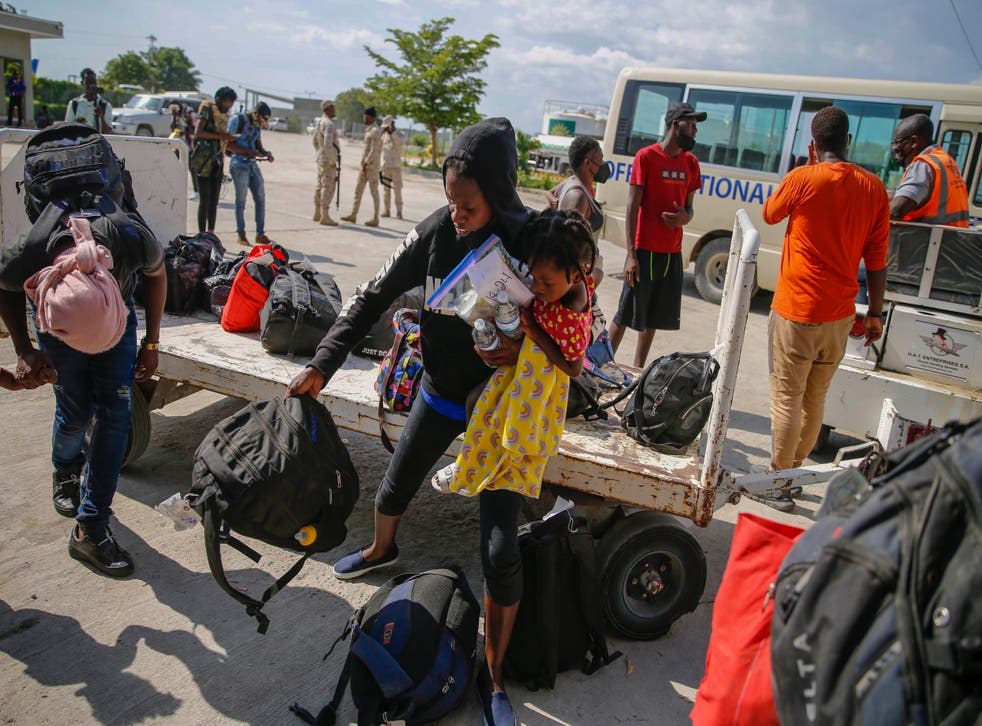 HAITIANOS DEPORTADOS