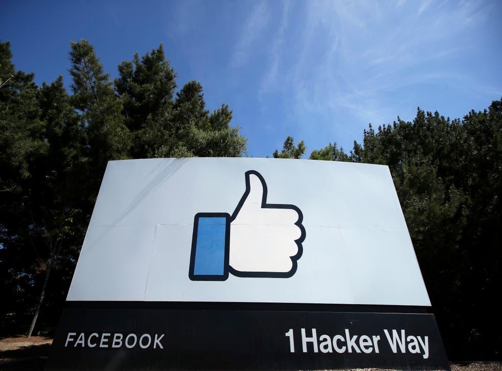 <p>Facebook Oversight Board Moderation</p>